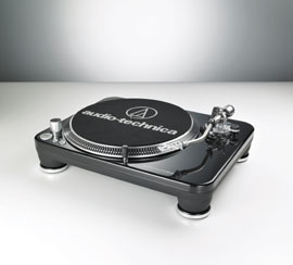 Photo of the Audio-Technica AT-LP240-USB.